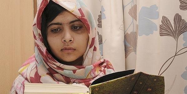 Malala inaugura biblioteca de Birmingham