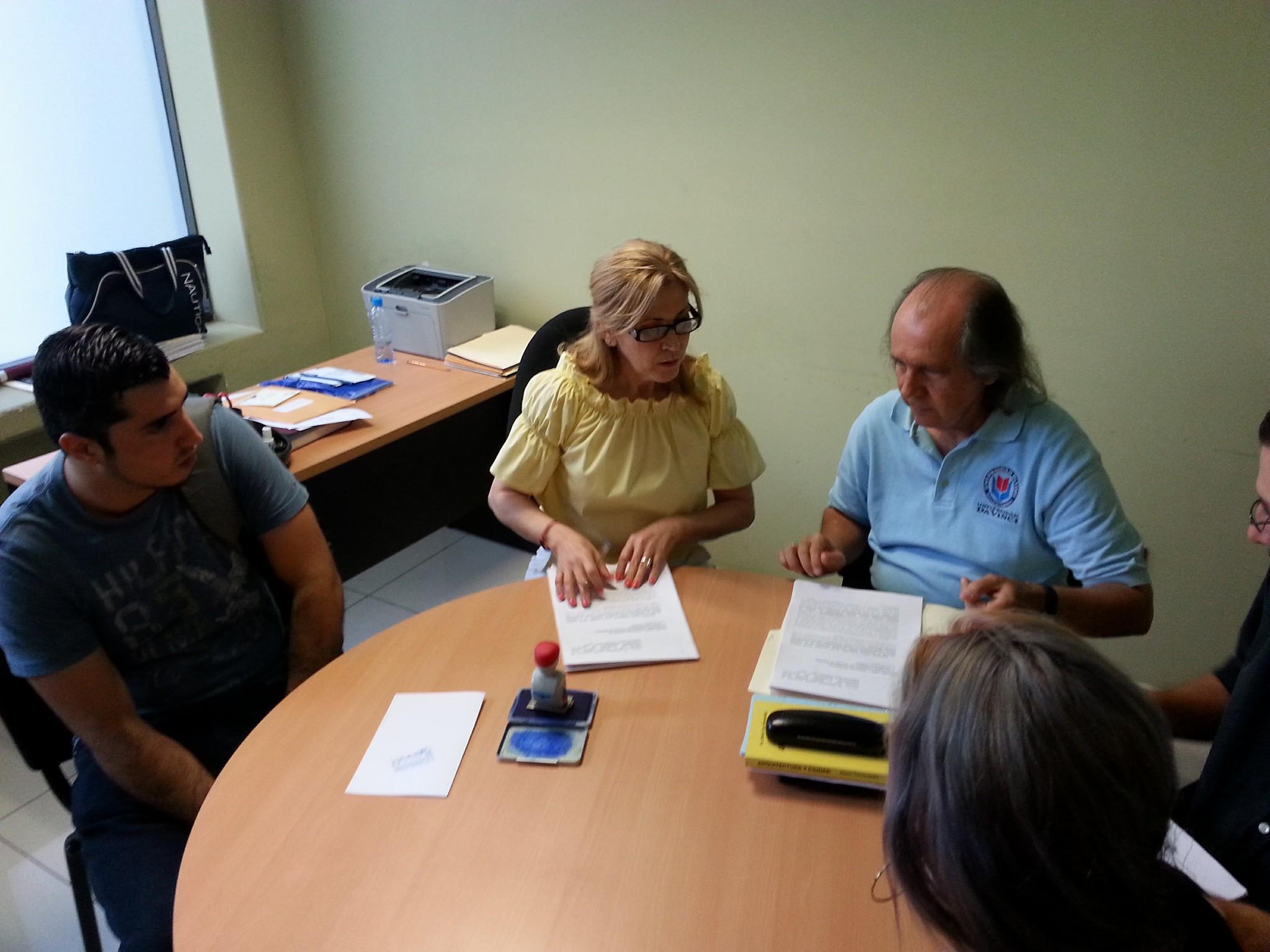 Miembros de diferentes grupos, reunidos para la petición de juicio político.Fotografía extraída de Culiacán sin chanchuy