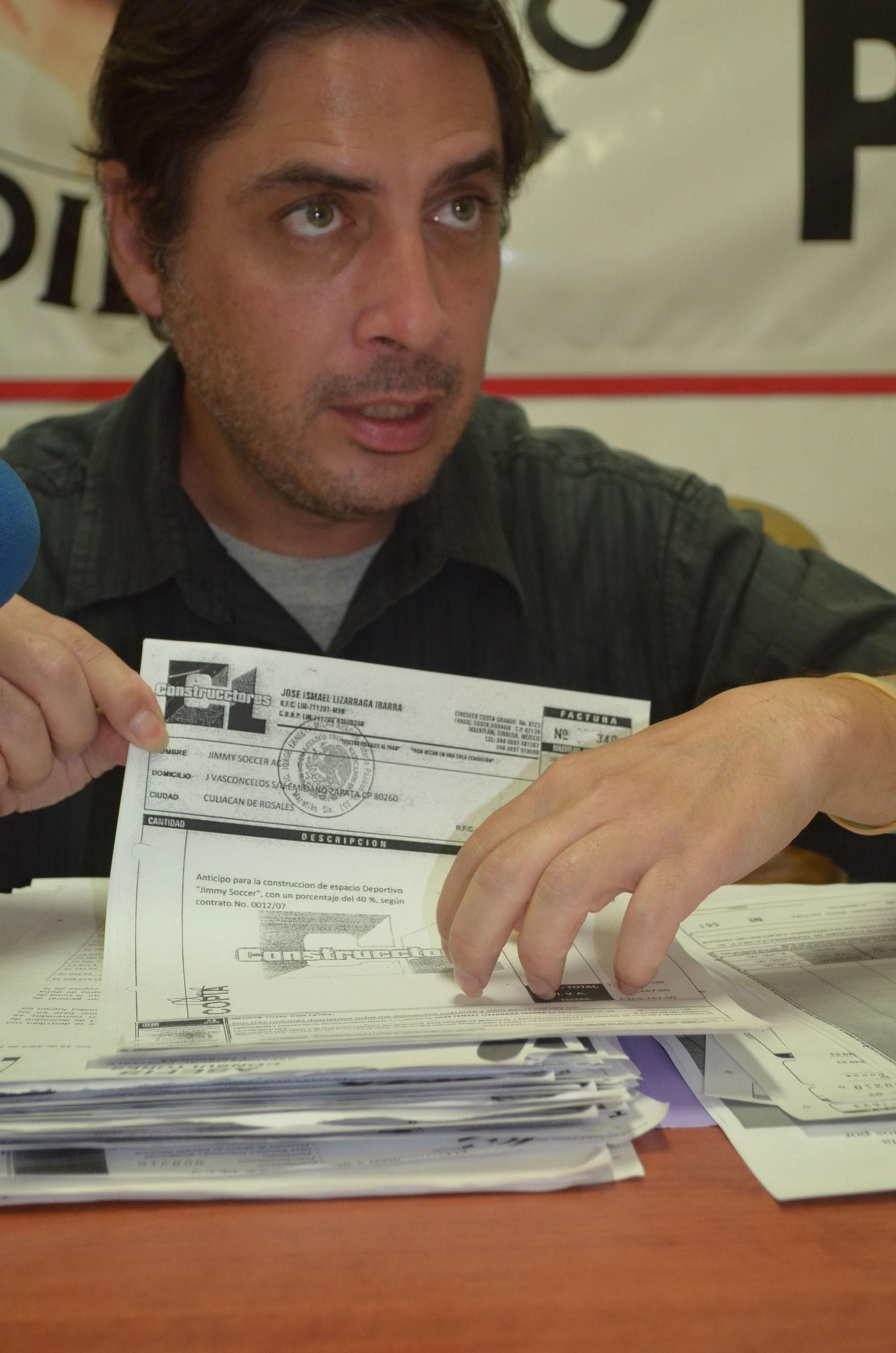 Ernesto Saldaña. Miembro del Colectivo Para La Defensa Del Patrimonio. Foto: Gabriela Sánchez.