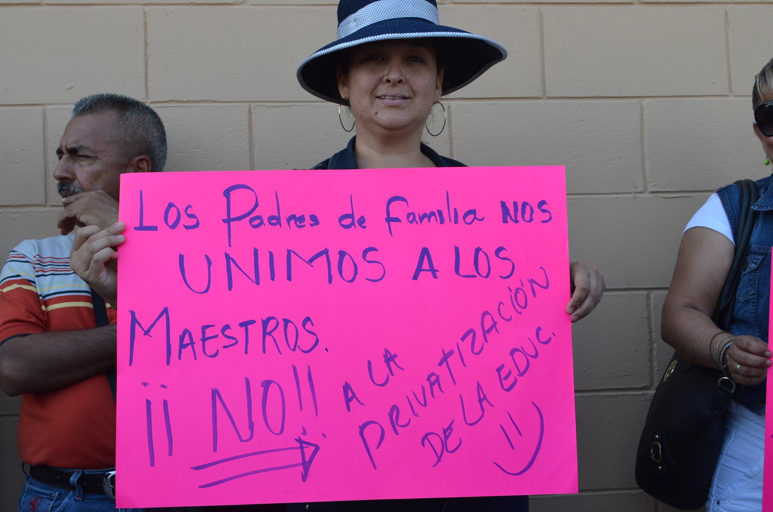 Padres de familia se oponen a la reforma educativa. Fotografía: Gabriela Sánchez