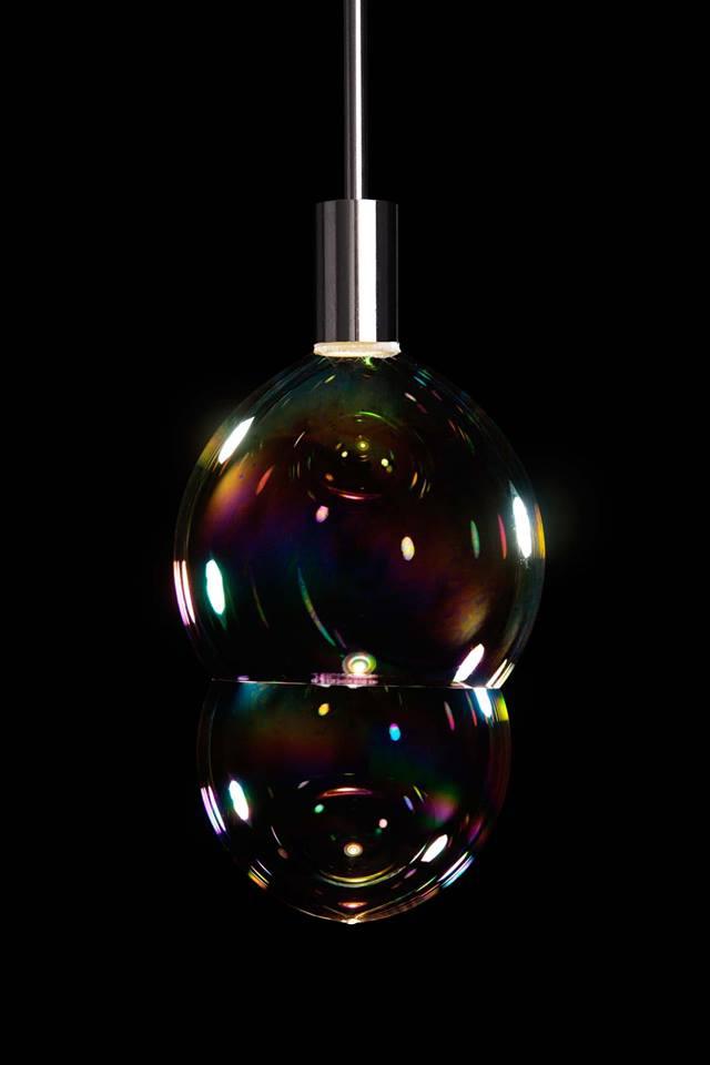 Front surface tension. LIGHTOPIA, la fuerza de la luz en mundo industrial