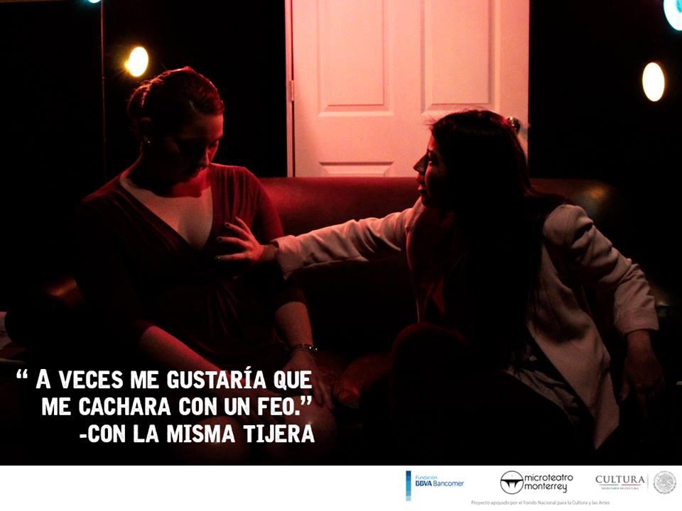 Obra de teatro 'Con la Misma Tijera'. / FOTO: Cortesía Microteatro Monterrey